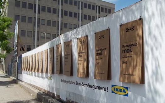ikea accroche des cartons de d m nagement dans les rues en. Black Bedroom Furniture Sets. Home Design Ideas
