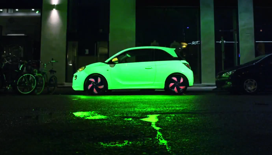 Color Changing Car Paint >> Opel Adam : la voiture qui change de couleurs quand on ...