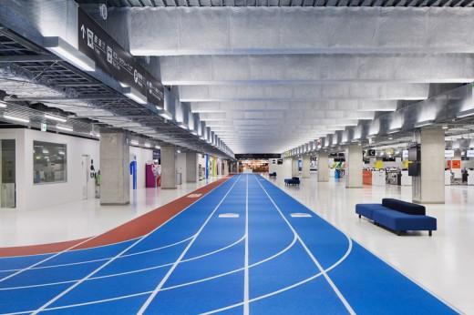 wcie-narita-airport-terminal-3-running-track-party-muji-nikken-1