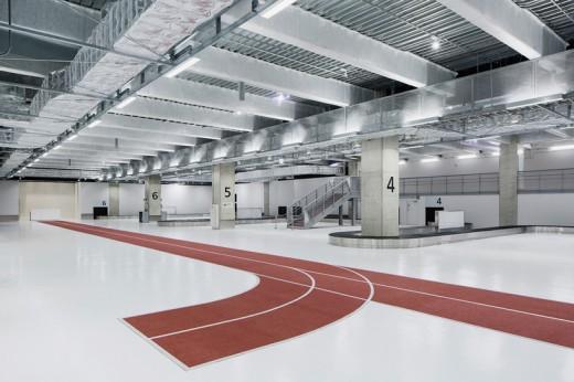 wcie-narita-airport-terminal-3-running-track-party-muji-nikken-5