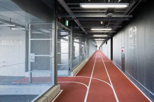 wcie-narita-airport-terminal-3-running-track-party-muji-nikken-6
