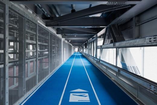wcie-narita-airport-terminal-3-running-track-party-muji-nikken-7